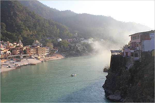 ganges_river_highbanks