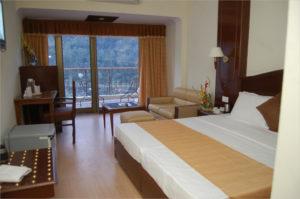 Divine_Hotel_Room